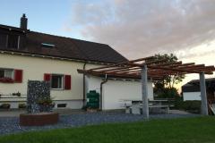 Pergola-Naturstein-Anbau-Holz-Behandelt